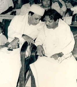 M._G._Ramachandran_and_M._Karunanidhi-266x300